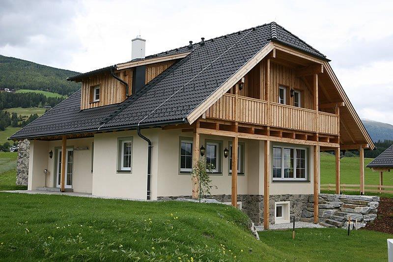 Если рассмотреть финансовую сторону вопроса, то комбинированные дома и здесь...
